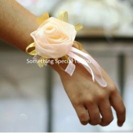 Bride's Maid Wristband (Champaign)