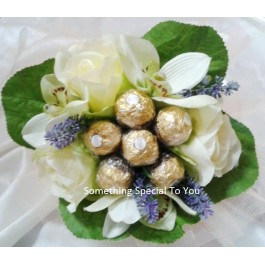 6 piece Rocher Bouquet